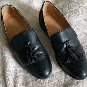 Black Faux Leather Tasseled Loafers
